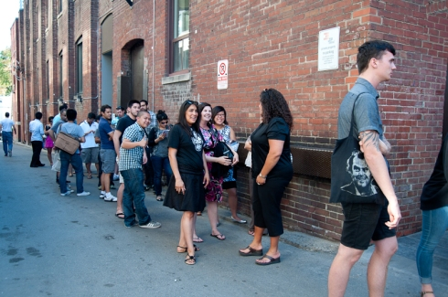 The line-up outside La Carnita at 5pm, one hour before opening!